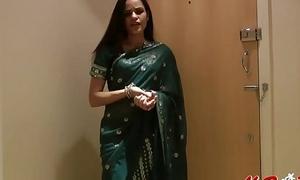 Pretty Girl Jasmine concerning Sari strips to show us