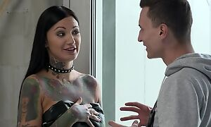 Inked brunette with socking sexual appetite gets double fucked